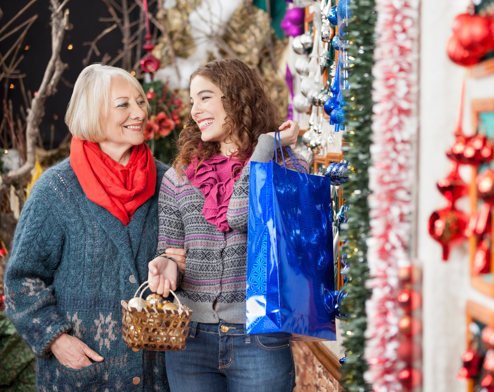 holiday-shopping-stips-seniors