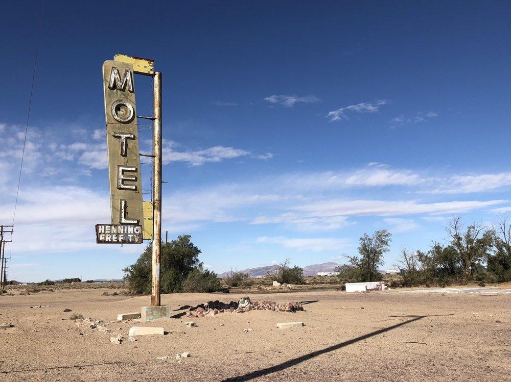 motel sign near bagdad cafe.jpg