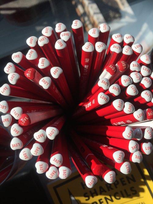 O lápis em formato de coração faz sucesso no Instagram