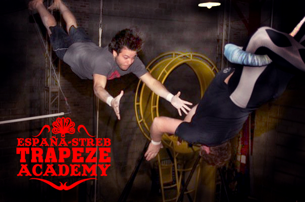 STREB: FLYING TRAPEZE LESSONS YOU CAN'T MISS!