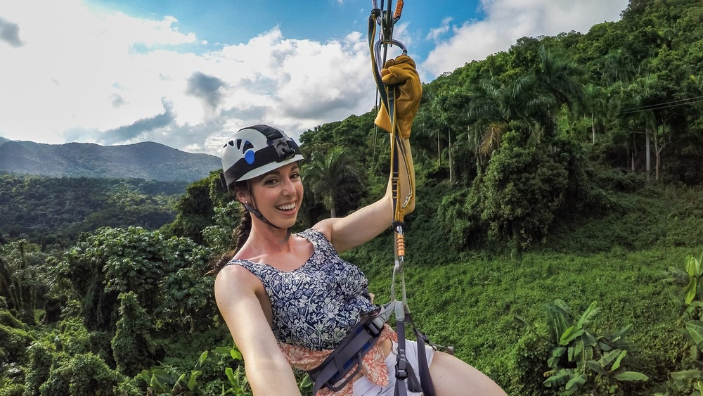 EL YUNKE ZIPLINE ADVENTURE IN PUERTO RICAN RAINFOREST