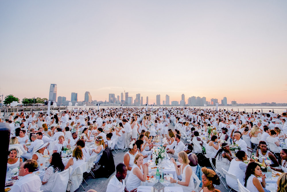 HOW TO MAKE YOUR OWN FABULOUS DINER EN BLANC PARTY