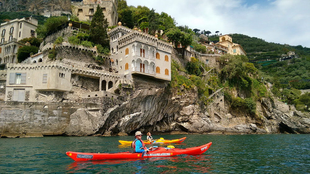 EXPLORE CAVES ON THIS KAYAK TOUR   Amalfi Coast, Italy