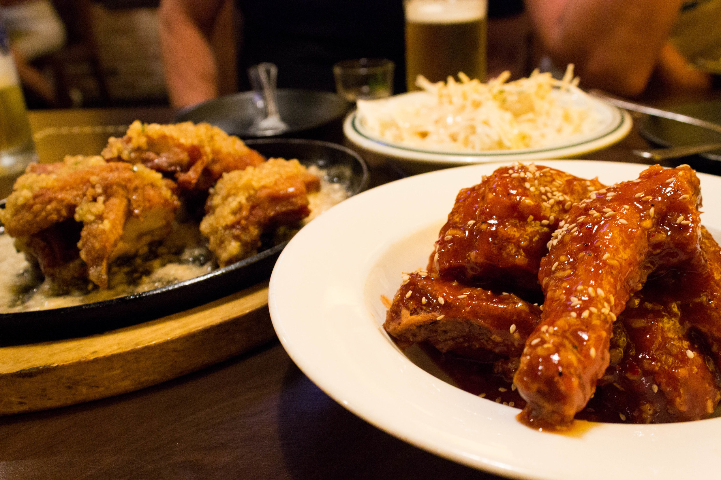 Flavored fried chicken and beer (original sweet &spicy flavor and garlic flavor)