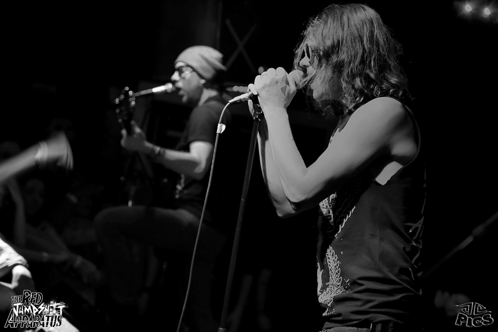 Red Jumpsuit Apparatus 9B4A1087.JPG