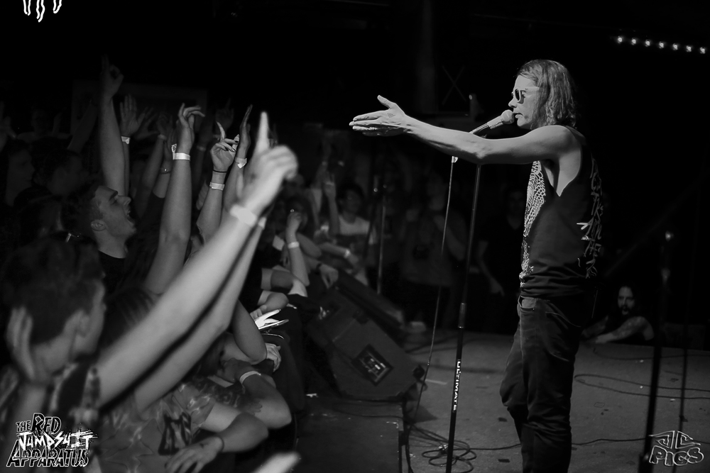 Red Jumpsuit Apparatus 9B4A1117.JPG