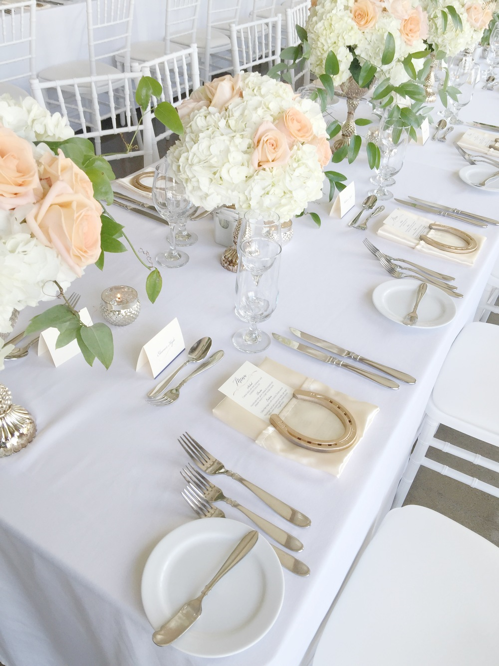 Toast Events Wedding at Le Belvedere Ottawa Horseshoe Floral Design
