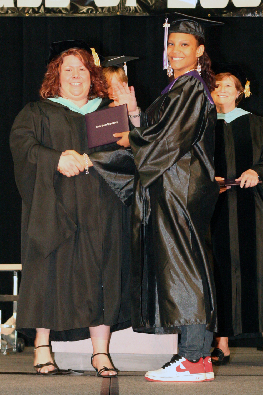 Grad 08 Diploma (75).JPG