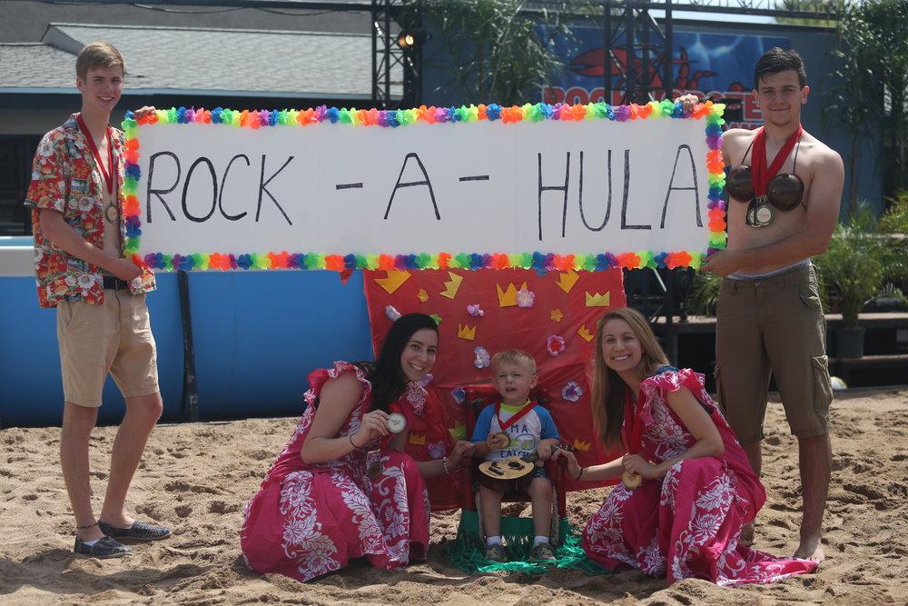 Seniors win Hawaiian Shirt Contest