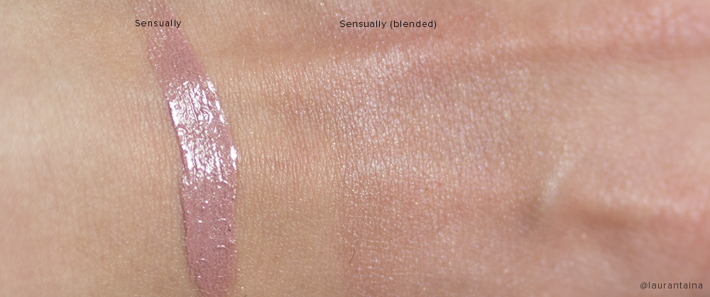 Addiction Cheek Polish in Sensually swatch