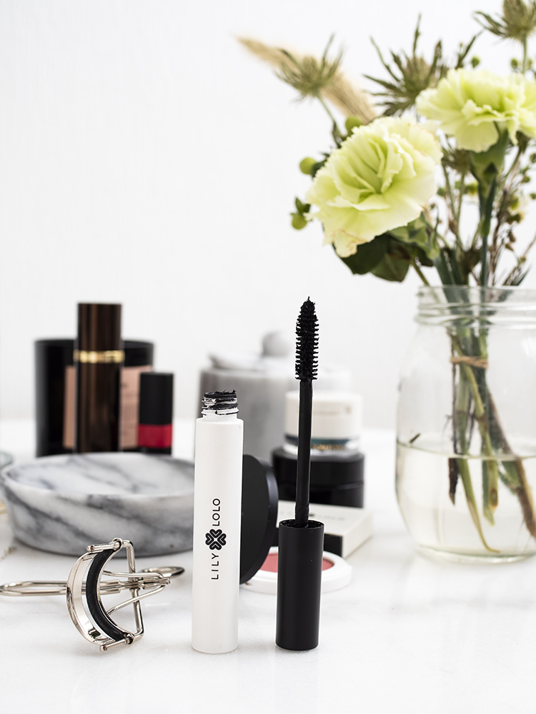 Lily Lolo Natural Mascara Review | Laura Loukola Beauty Blog
