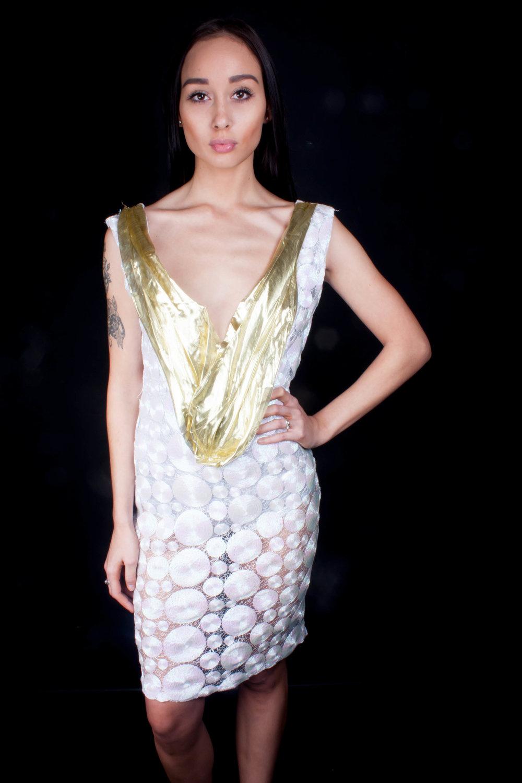 Dress Maker : Zo Alitiana