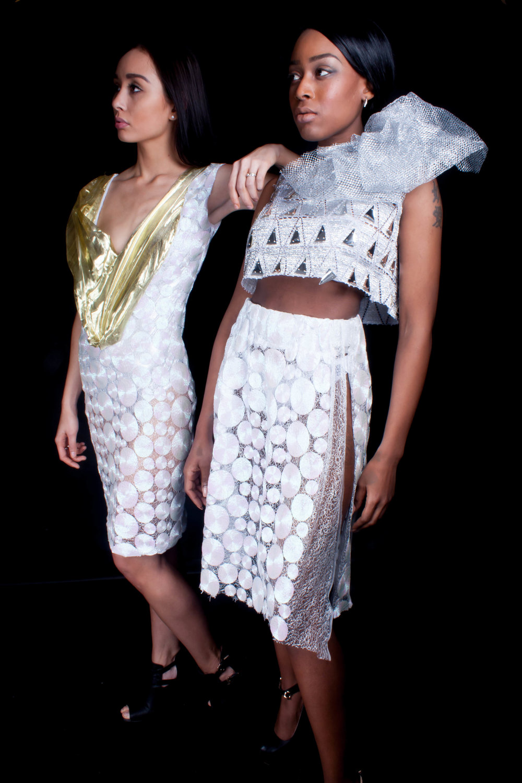 Models left to right : Tamara K. Sensjimelia  Photographer of this serie : Qing de Maan