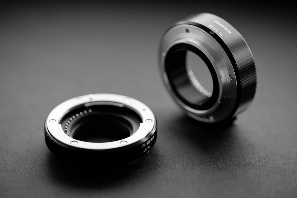 MCEX-11 & MCEX-16, shot with the XF 90mm @ f/2 and its minimum focusing distance.