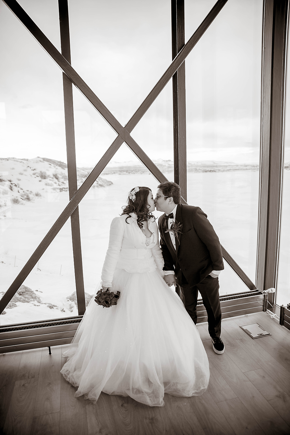 Iceland Winter Wedding Photos by Miss Ann-68.jpg