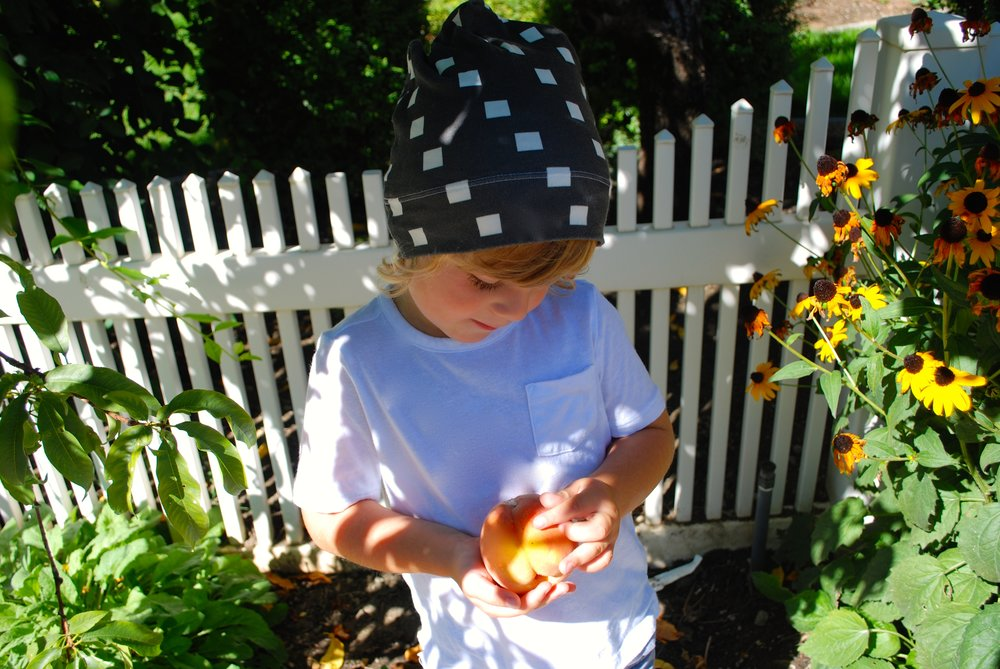 toddler boy slouch beanie and peach jam recipe