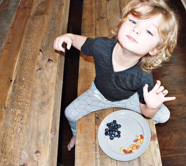 Meal prep for busy moms - Lot801 stars pullover and joggers for baby and toddler