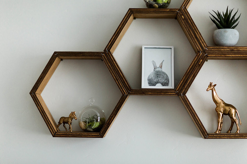 Étagères nid d'abeille
