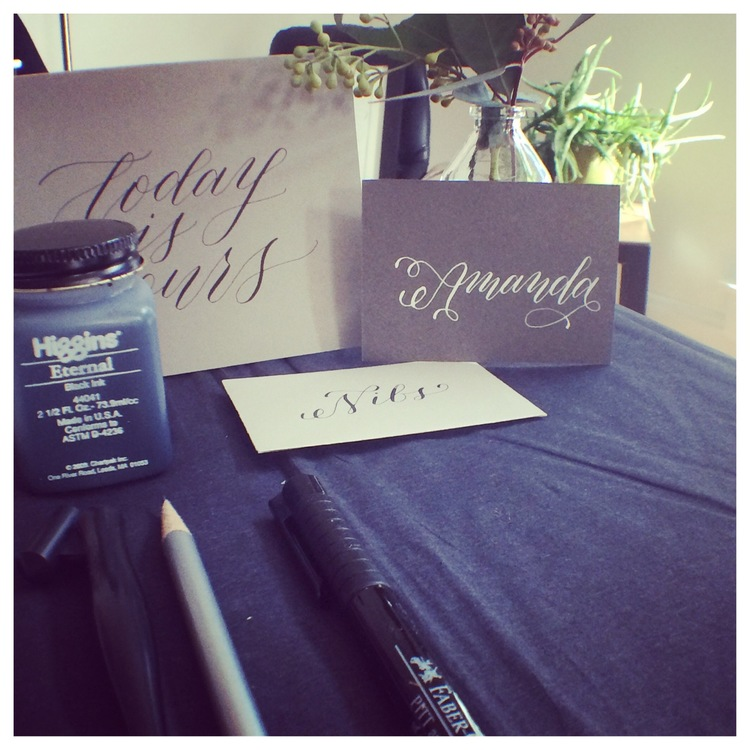 A beautiful way to personalize an event, with hand lettering. Too bad, I still haven't perfected this skill, but you can still enjoy a few pointers we got from the amazing Jenna Blazevich.