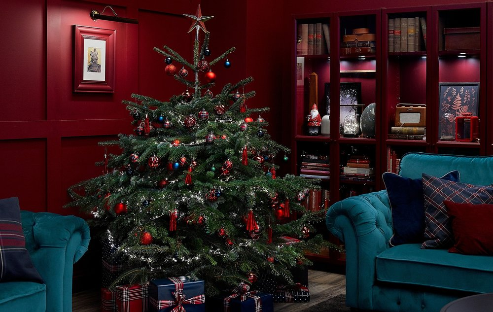 ikea-3-trends-to-add-a-little-sparkle-to-your-christmas-tree-__1364662386712-s5.jpg