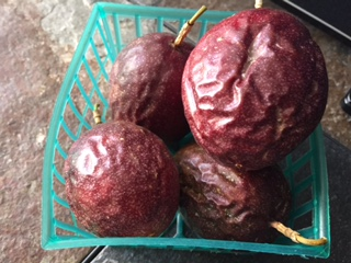 Passion Fruit- A SUPER FRUIT- $4.00/basket