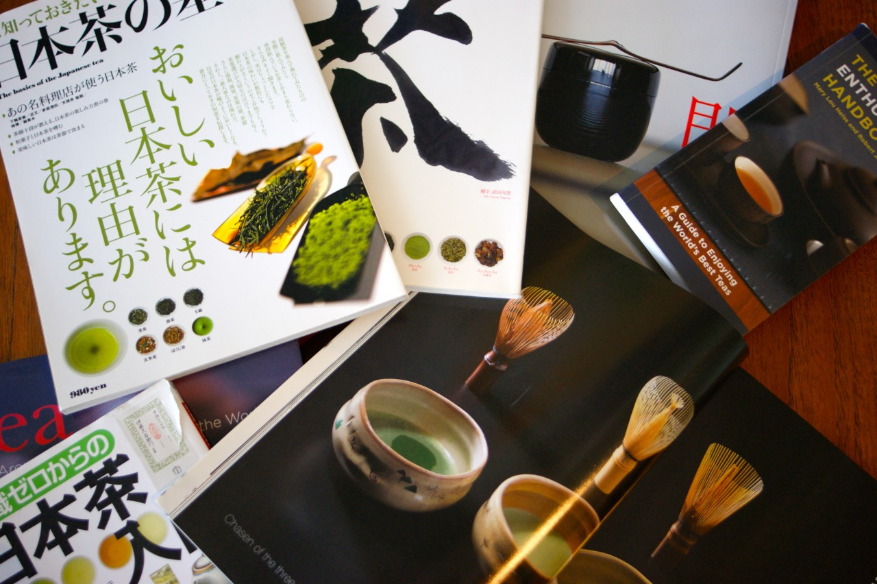 Resource materials. The pursuit of information on Japanese green tea remains pretty difficult. There are few good books in english…the most informative are of course written in Japanese. That said, Japanese print (especially magazines) are almost unbelievably thorough. If you get one good zine on tea and a Japanese friend to help you, you can start growing and manufacturing your own stuff. Seriously. Ever wondered what nitrogen levels are best for growing tsuyuhikari? Maybe you didn't. Well, I did. And the answer was in Discover Japan's tea issue! Here are a few links to some informative reference material. have fun, and if you can't read anything, the pictures are really nice, too! Discover Japan 茶 日本茶 (Japanese Tea) Characteristics of 8 Japanese tea cultivars Tea Enthusiast's Handbook