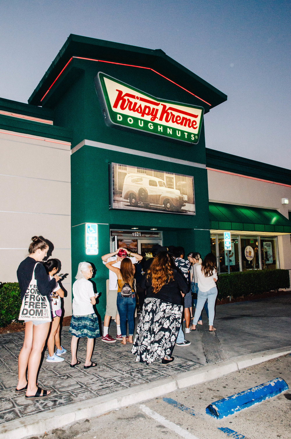 KrispyKreme80th_DavidVassalli_July2017_Fianl-55.jpg