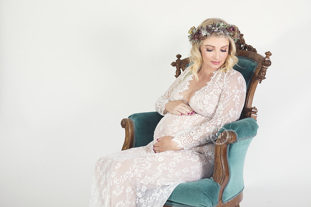 best-portrait-photographer-walnut-creek-glitter-newborn-headshot-confetti-slowmo booth-photo shoot- spino-photo