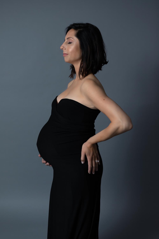 maternity-pregnant-pregnancy-editorial-timeless-classic-elegant-simple-clean-family-photo-session-shoot-spino-photo-walnut-creek-lafayette-orinda-photographer-15.jpg