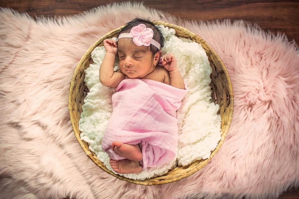 Kayla-NewbornSession-JessicaMirandaPhotography-16.jpg