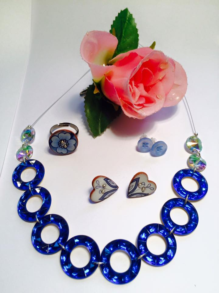 Blue sparkle glam necklace, Williams Morris ceramic button ring & earrings, button earrings, rose hairclip