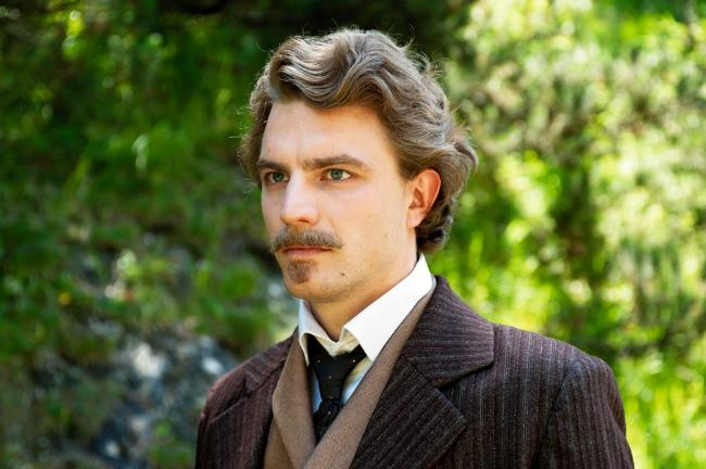 This is the guy who played Richard Hornig in the 2012 film Ludwig II. Hello!