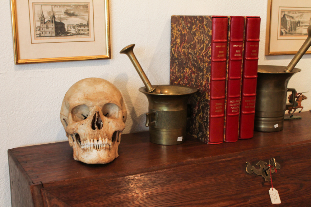 Yes it's a real human skull, yes I was transfixed by it for quite some time