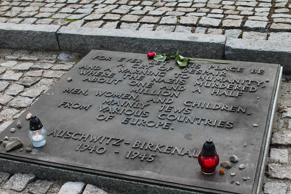 birkenau_inscription.jpg