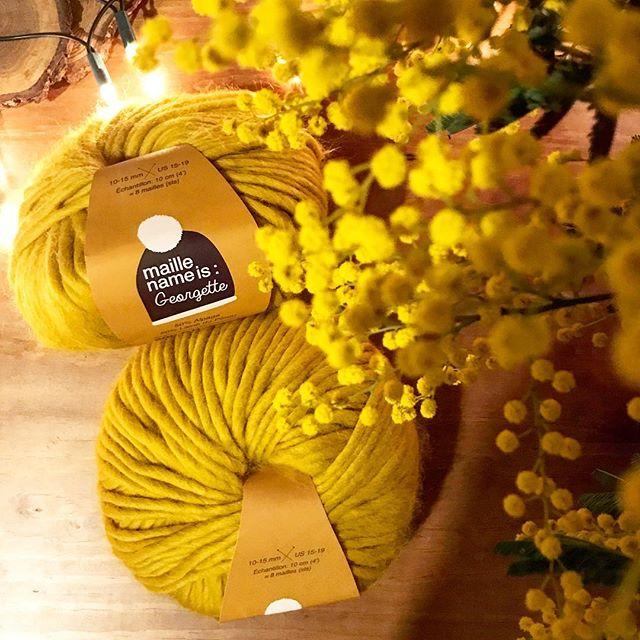 Nouveau projet qui va atterrir sur mes aiguilles aujourd'hui, dans une de mes couleurs préférées 💛 . . . . . #laine #handmade #tricot #faitmain #wool #knitting #diy #knit #tricotaddict #yarn #homemade #knitaddict #instaknit #knittersofinstagram #makersgonnamake #sunday#maillenameis #maillenameisgeorgette