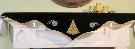 Christmas Tree and Ornament Mantel Scarf