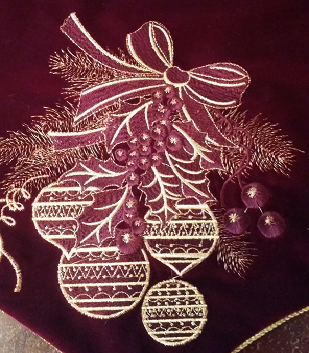 burgundy_ornaments_new.png