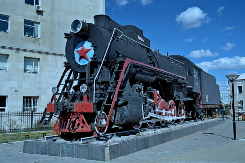 Mongolian State Railways 2-10-0 No. L-3167 plinthed at Ulan Bataar Railway Station, Mongolia [Trans-Mongolian Railway]. Photo by Tony Richards.