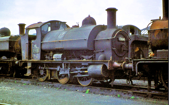 1  364 passes her final days on the dump at Swindon in 1961       Copyright Ron Bowyer and used with permission.