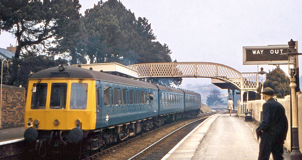 Another of Robert Masterman's evocative photographs chronicling diesel multiple units in the South Wales Valleys in the 60s and 70s. This time, a plain blue-liveried 3 car DMU departs Hengoed Low Level with a Penarth to Rhymney service in 1968.