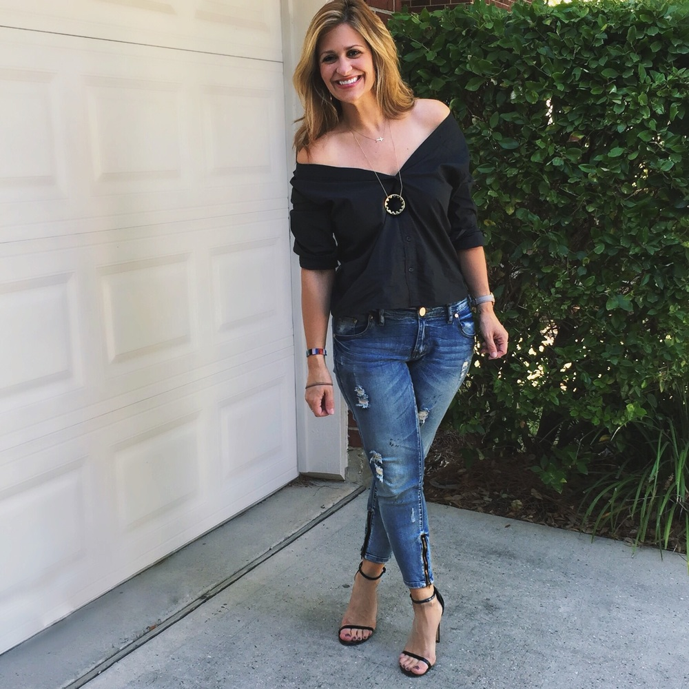 Top:  Gap  (40% off your purchase with code EXTRA) Jeans:  One Teaspoon  Shoes:  Steve Madden  (on sale!)