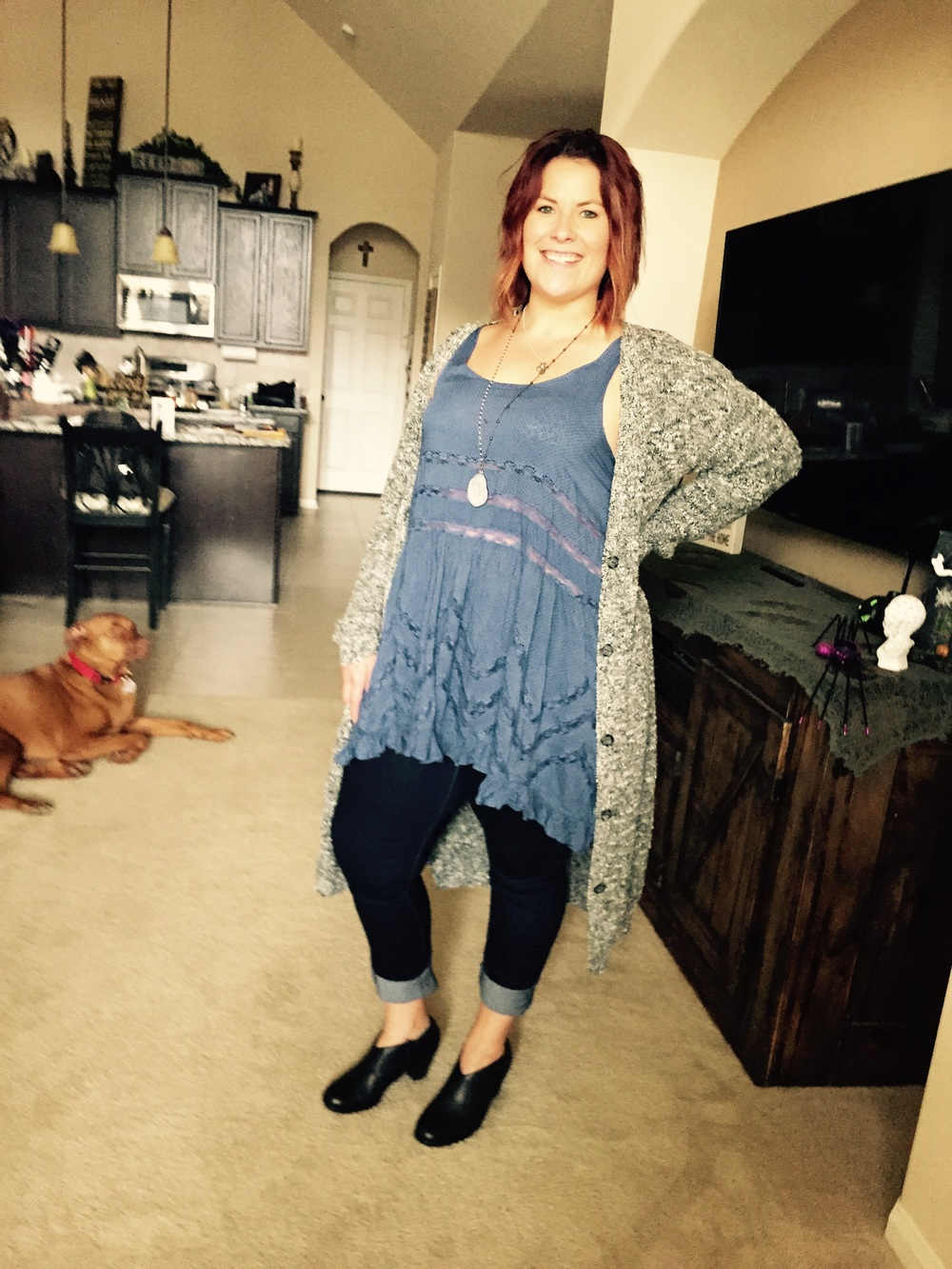 The fabulous Rebekah owning her  skinny Levi jeans ! She paired hers with the  free people tunic  you've seen on the blog many times with a long cardigan. The  tunic  is a perfect year-round piece!