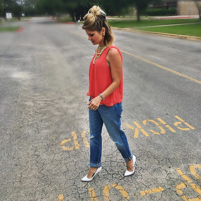 Boyfriend jeans on Sunday's are always a good idea! #ootd #sundaymorning #boyfriendjeans