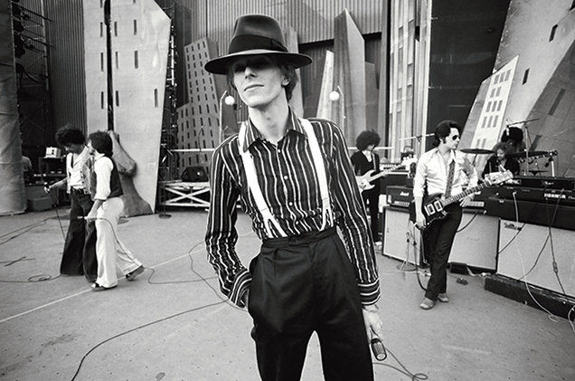 David-Bowie-opener-Diamond-Dog-tour-Los-Angeles-1974-Terry-ONeill-billboard-650.jpg