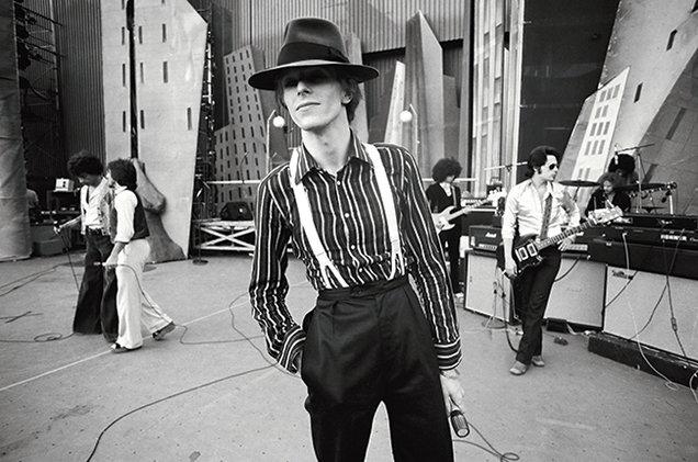David-Bowie-opener-Diamond-Dog-tour-Los-Angeles-1974-Terry-ONeill-billboard-650.jpg