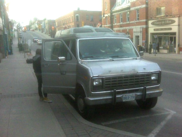 tourvan-1.jpg