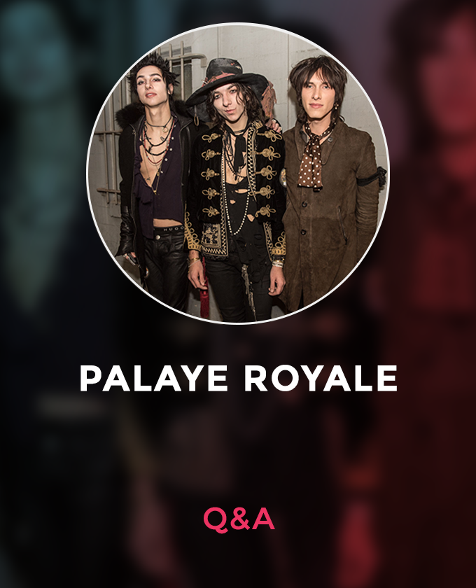 palaye royale circle with name .png