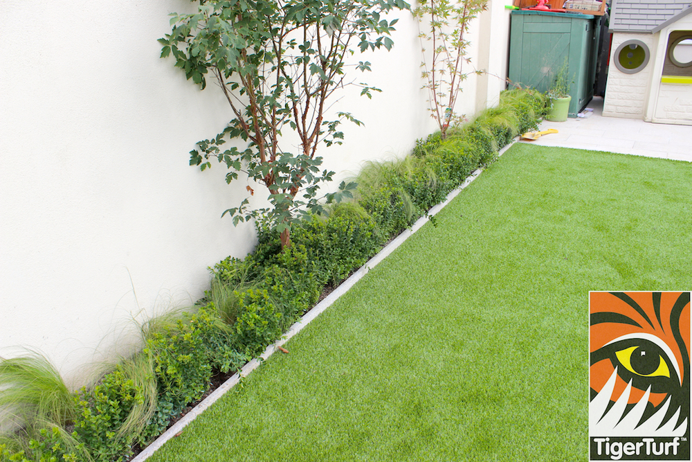 side bed with artificial lawn