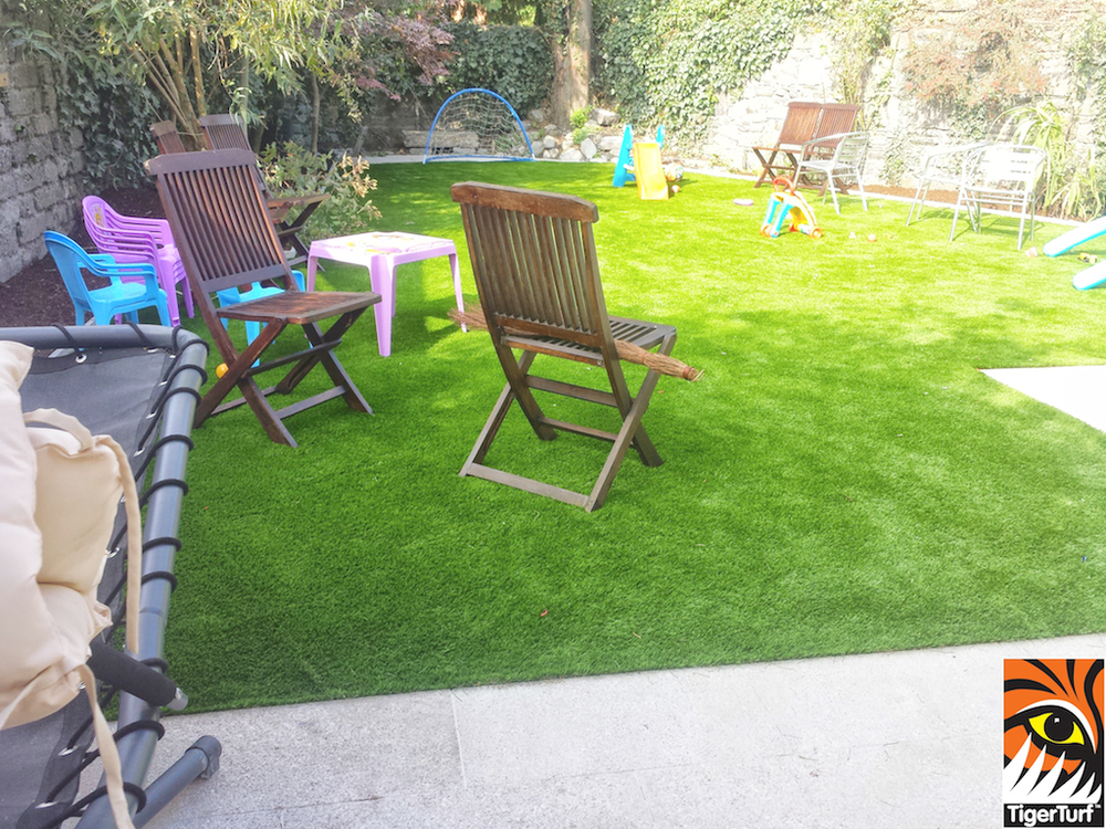 Garden furniture on new TigerTurf Lawn