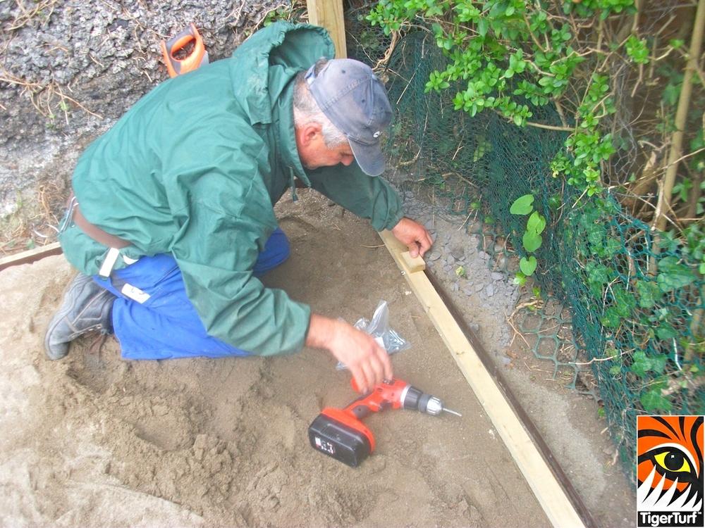 Installer fitting tanallised timber frame